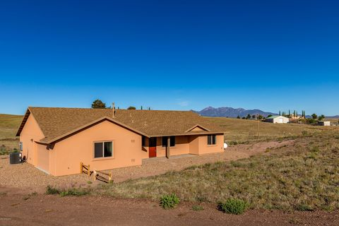 12 Thoroughbred Ct, Sonoita, AZ 85637