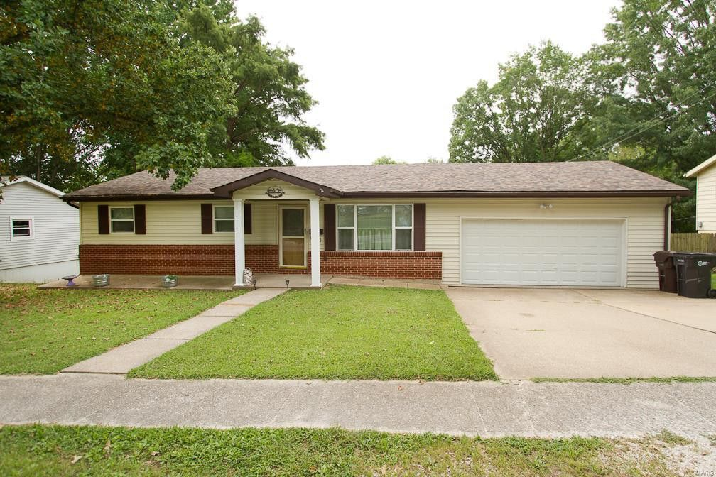 806 Lincoln St Elsberry, MO 63343