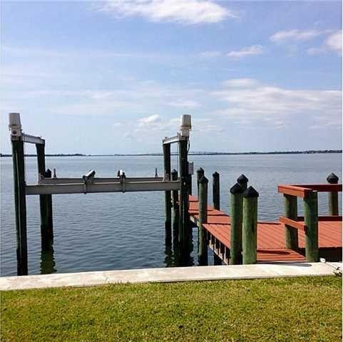 1122 E Nettles Blvd, Jensen Beach, FL 34957