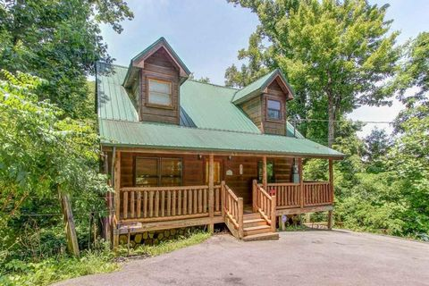 for sale hwy realestateandhomes sevierville tn newport realtor com cabins detail