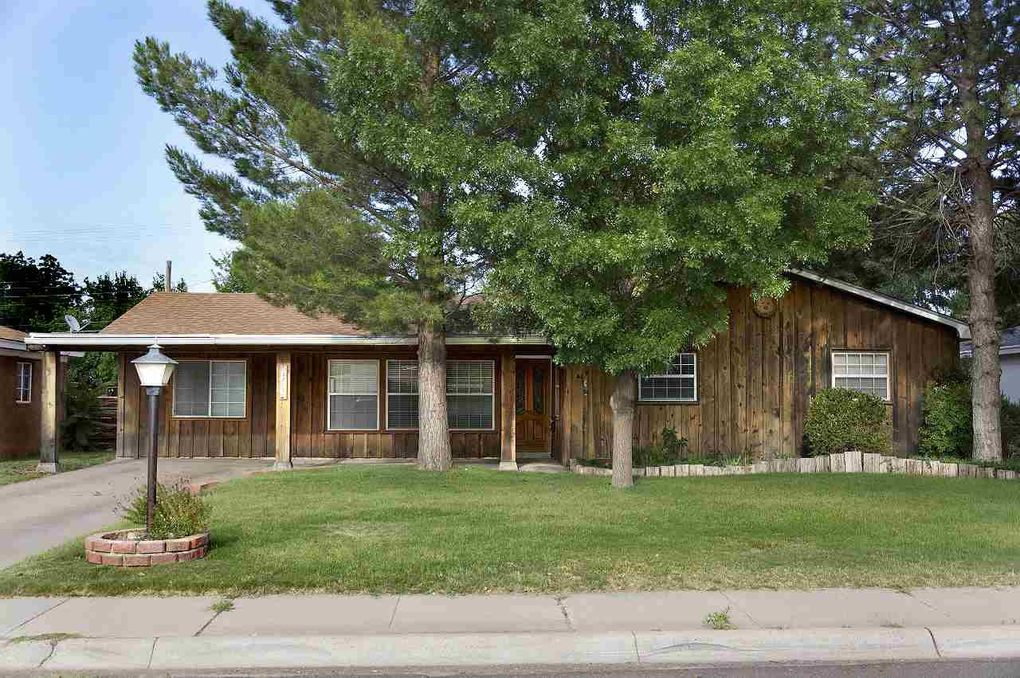 3207 Alhambra Dr Roswell, NM 88201