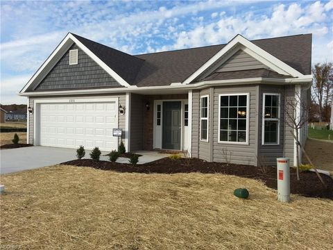 27270 S Emerald Oval, Olmsted Township, OH 44138