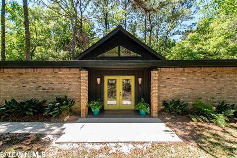 Photo of 103 Fairwood Blvd, Fairhope, AL 36532