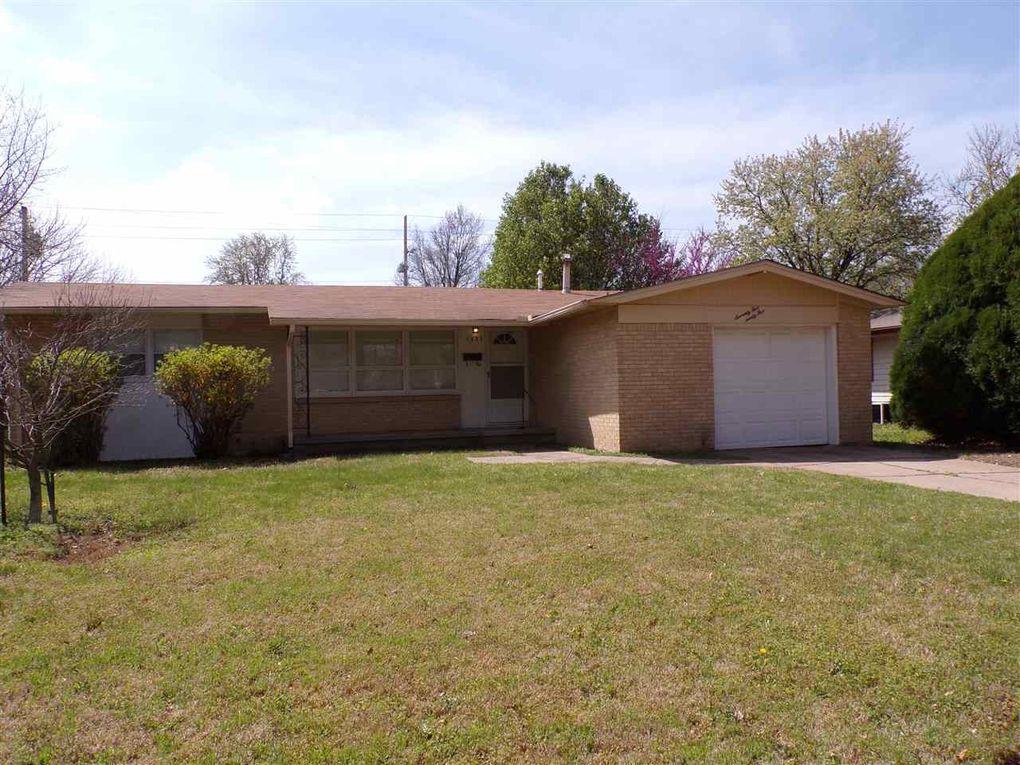 7525 W Cottontail Ln Wichita, KS 67212