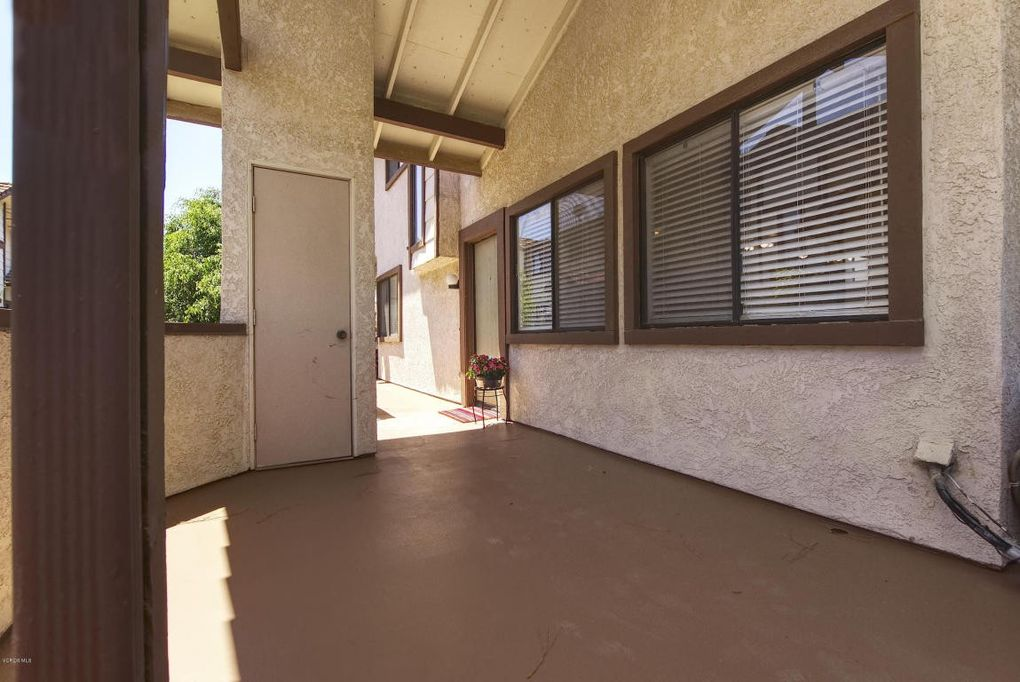 104 Maegan Pl Apt 16, Thousand Oaks, CA 91362