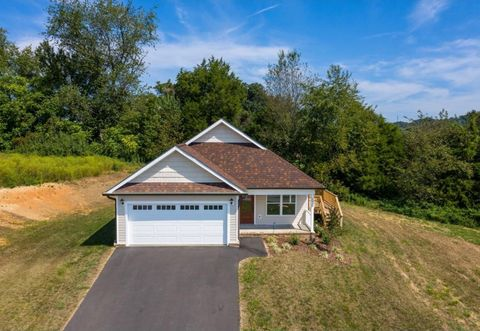 Photo of 2910 Southbridge Rd, Kingsport, TN 37664