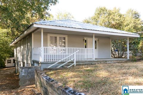 Photo of 5221 Highland Ave, Adamsville, AL 35005