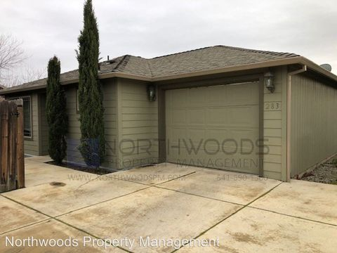 Photo of 283 Mac Ct, Central Point, OR 97502