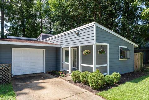 13403 Oakleaf Ct, Newport News, VA 23608