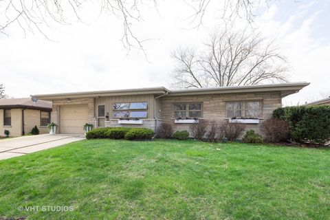 Photo of 221 Dwight Ave, Joliet, IL 60436