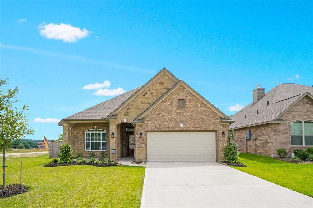 19062 Villa Ln, Montgomery, TX 77356