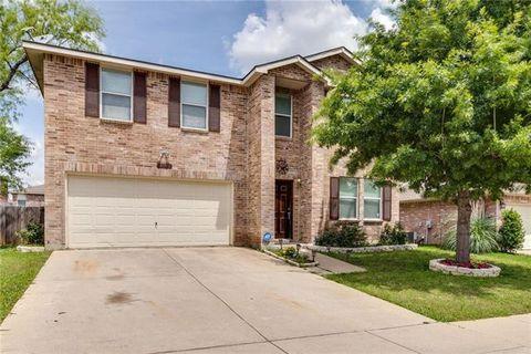 Photo of 631 Silvertop Rd, Arlington, TX 76002