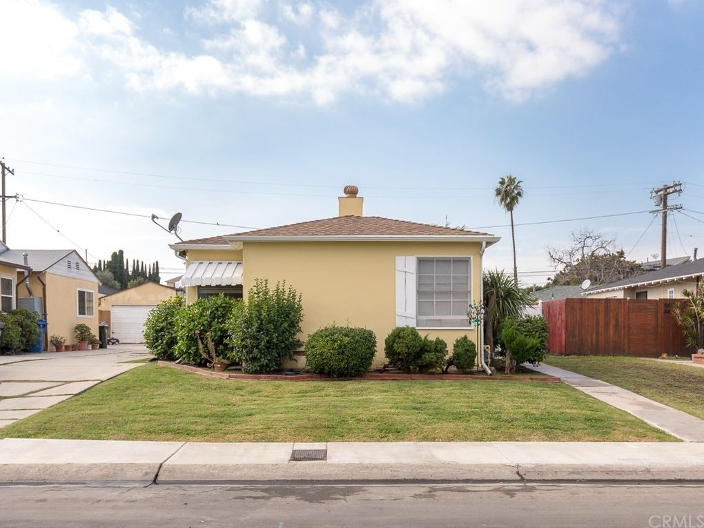 8421 Lilienthal Ave, Westchester, CA 90045