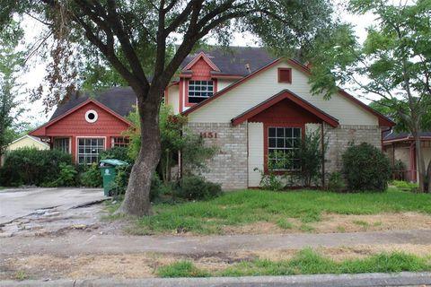 11511 Chariot Dr, Houston, TX 77477