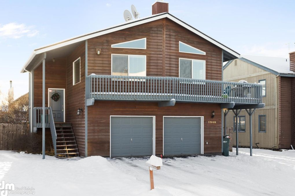1340 Gram Cir, Anchorage, AK 99518