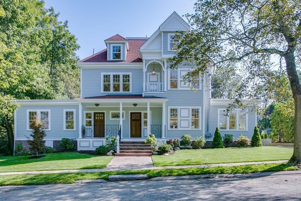 30 Lincoln St, Watertown, MA 02472