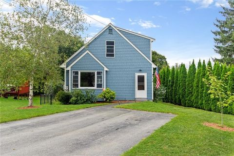 4 Central Ct, Warren, RI 02885