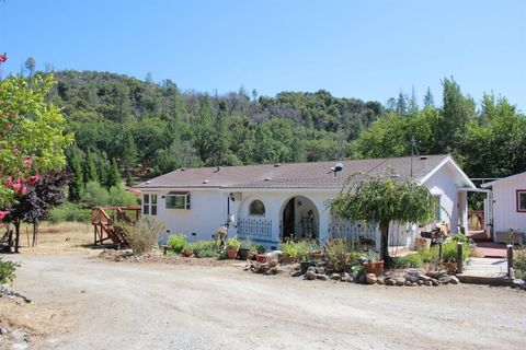 6508 Michel Rd, Mountain Ranch, CA 95246