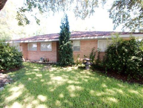 416 S Inwood Dr, Bridge City, TX 77611