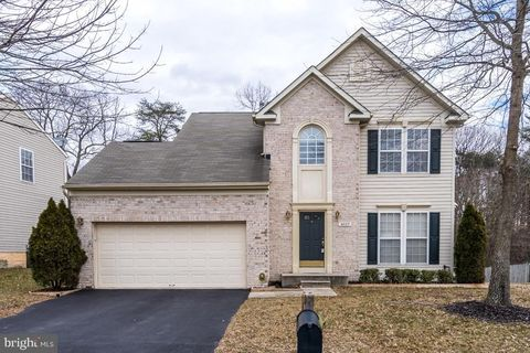 Photo of 8037 Westgate Ln, Severn, MD 21144