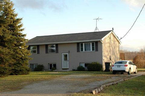 Photo of 4810 Lima Sandusky Rd, Sandusky, OH 44870