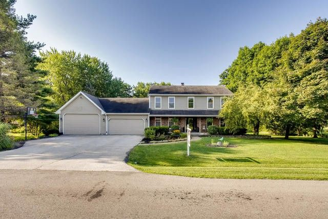 40W905 Bridle Creek Dr Saint Charles, IL 60175