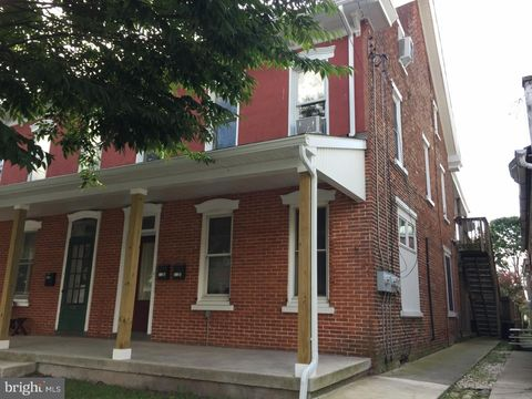 312 Main St, East Greenville, PA 18041