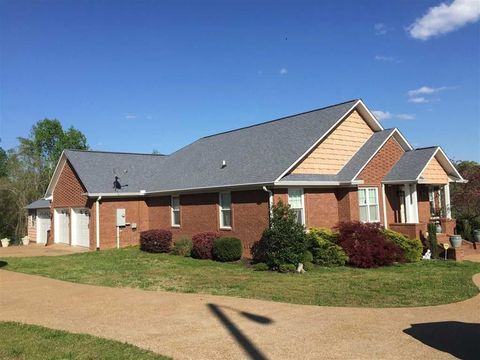 656 Harbor Dr, Lexington, TN 38351