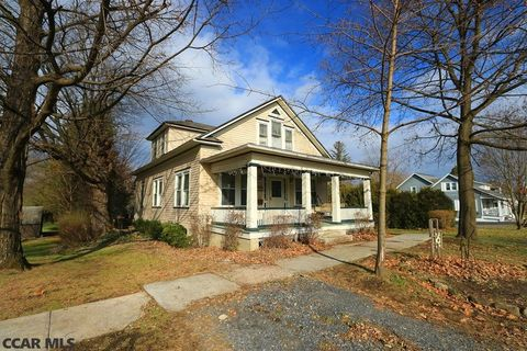 202 Water St, Milesburg, PA 16853