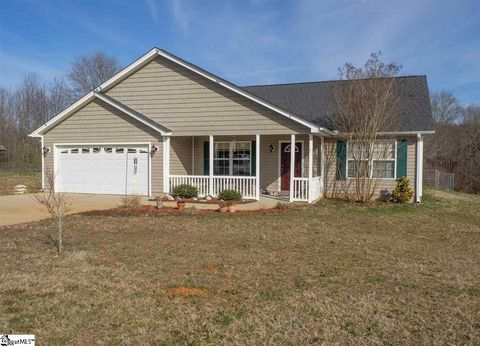 Photo of 9 Long Pond Ct, Greer, SC 29651