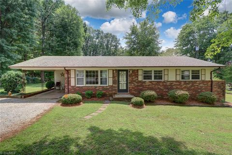 Busick, NC Real Estate - Busick Homes for Sale - realtor com®