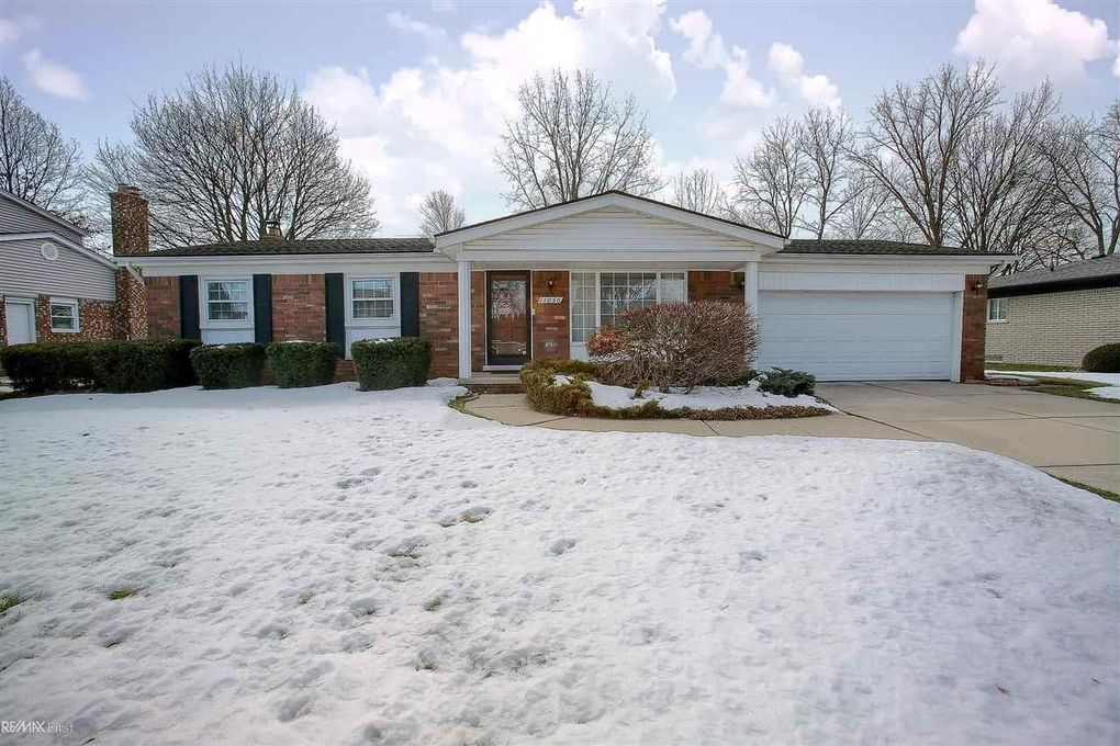 11056 Canterbury Dr Sterling Heights, MI 48312