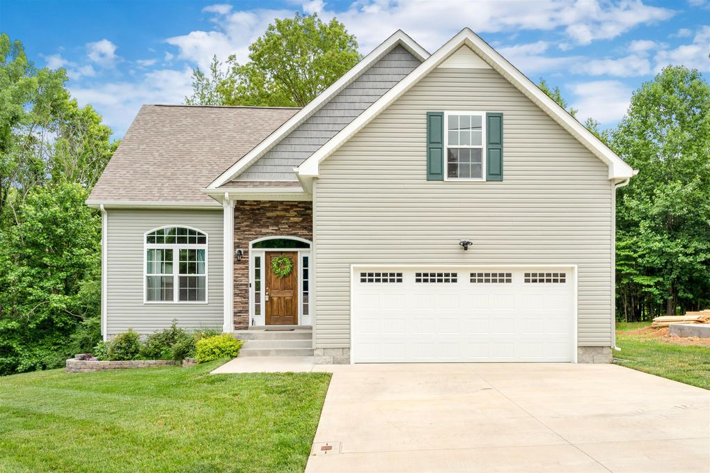 1495 Dewberry Rd, Clarksville, TN 37042