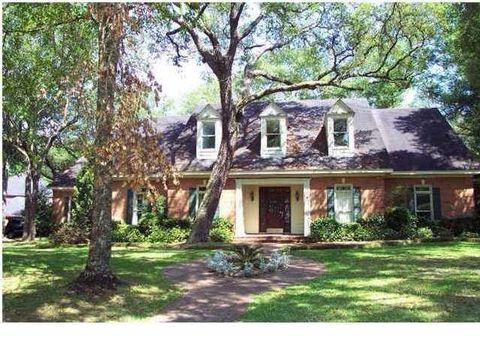 Photo of 2601 Charleston Oaks Dr W, Mobile, AL 36695