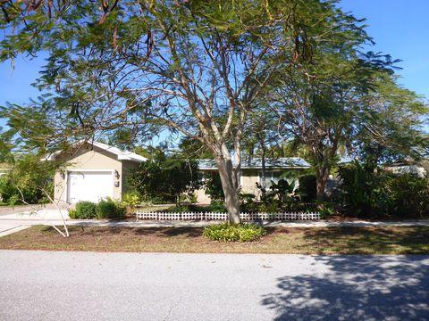 816 Cinnamon Rd, North Palm Beach, FL 33408