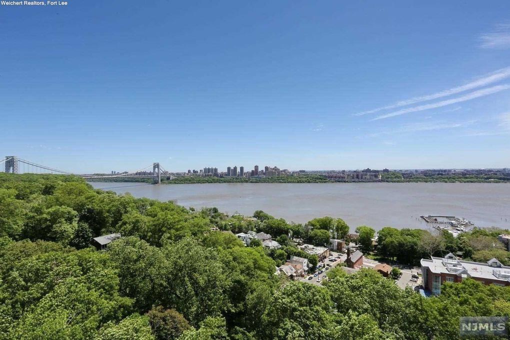 4 Horizon Rd Apt 1020 Fort Lee, NJ 07024