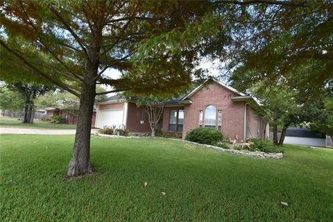 Photo of 1096 County Road 1020, Glen Rose, TX 76043