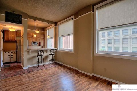 Photo of 300 S 16th St Apt 401, Omaha, NE 68102
