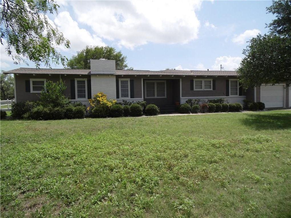 530 Meadowbrook Rd, Bishop, TX 78343