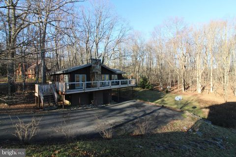 Photo of 80 Lakeview Dr, Terra Alta, WV 26764