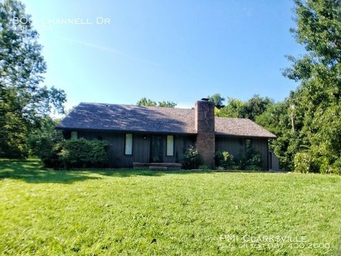 Photo of 800 Channell Dr, Clarksville, TN 37040