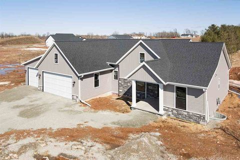Photo of N1094 Alexandra Way, Greenville, WI 54942