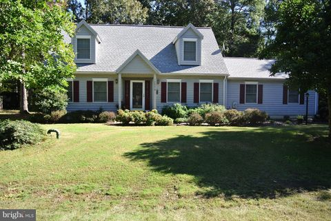 11175 Lord Baltimore Dr, Swan Point, MD 20645