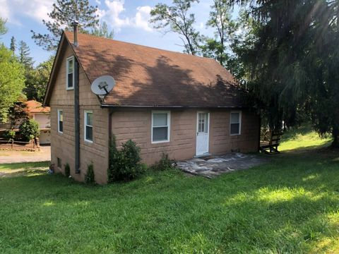 415 Vincent Ave, Westover, WV 26501