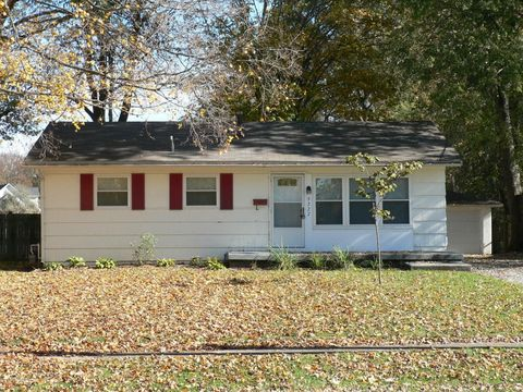 9227 Donerail Way, Louisville, KY 40272