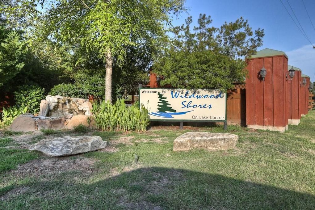 123 Wildwood Lake Dr N Huntsville, TX 77340