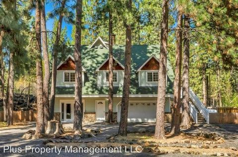 Photo of 18832 River Woods Dr, Bend, OR 97702