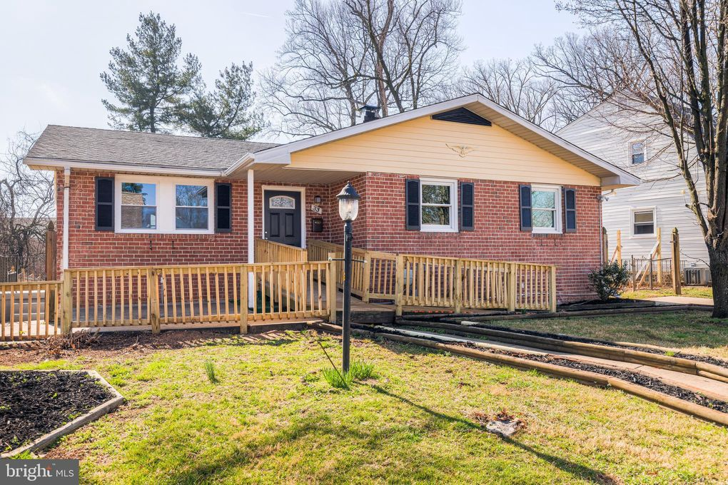 33 Caraway Rd Reisterstown, MD 21136