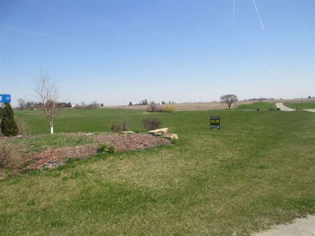 Pond acres vw lot 2 wilton ia 52778 home for sale and for Building a 1 acre pond