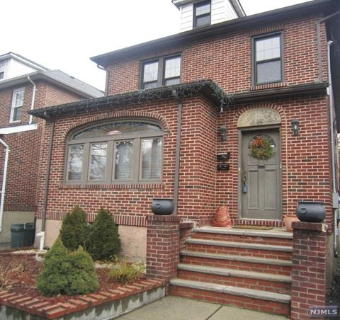782 Kingsland Ave Unit 2, Ridgefield, NJ 07657